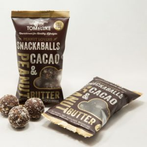 5 Snackaballs Chocolate and Peanut Raw Energy