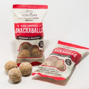 5 Snackaballs Strawberry and Macadamia Raw Energy
